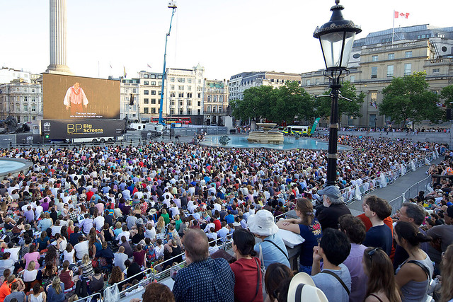 Trafalgar Square during the live relay of Tosca on BP Big Screens. © ROH / Elliott Franks 2013