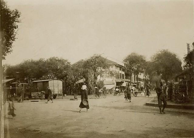 Saïgon Circa 1890 - Bức ảnh góc phố Chợ cũ, Rue d'Adran, cách nay hơn 120 năm