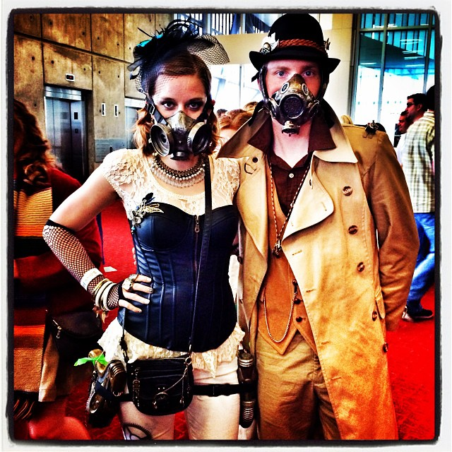 Steampunk couple #dallascomiccon