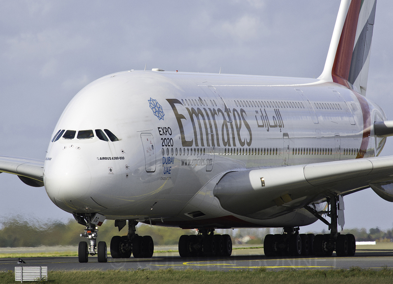 Emirates Airbus A380-861 A6-EDG