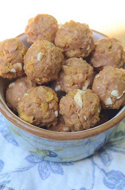 Crispy Peanut Butter Clusters-122.jpg
