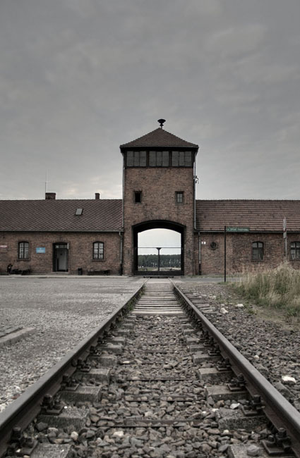 Entrada a Birkenau. © Paco Bellido, 2008