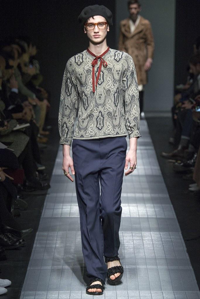 Eugen Ivanov3042_FW15 Milan Gucci(VOGUE)