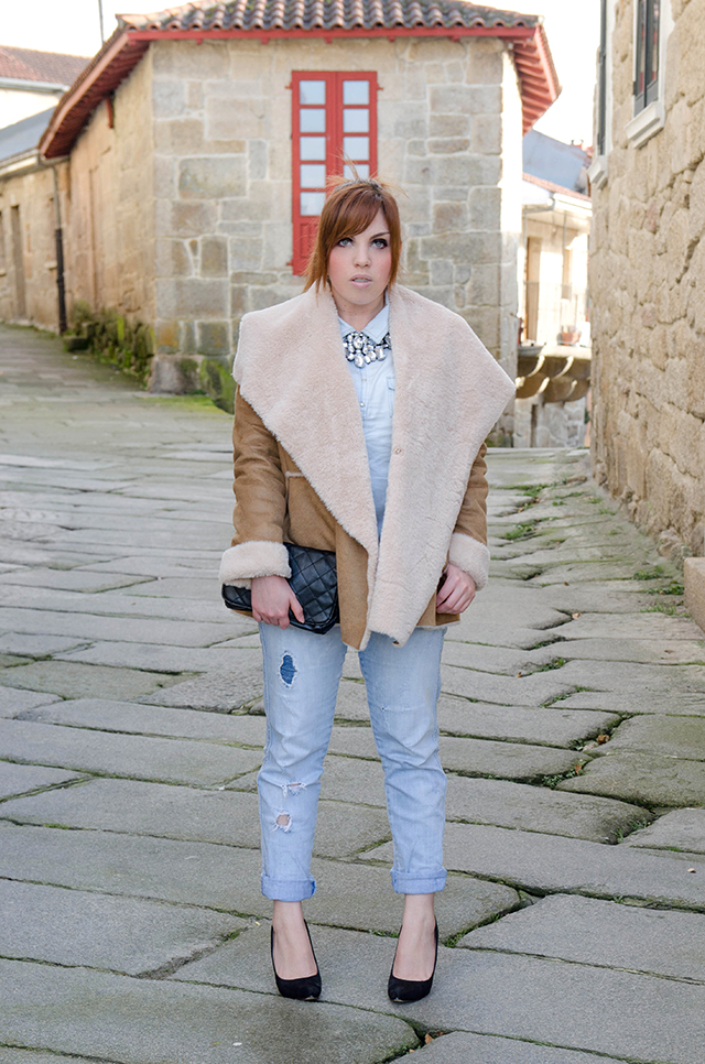Shearling Jacket de Oasap con total denim