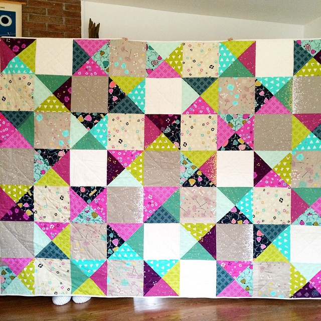 "Finished @cottonandsteel @iheartlinen @alexiastitches quilt! 70""x90"" Pattern and kit will be available on @becraftsy"