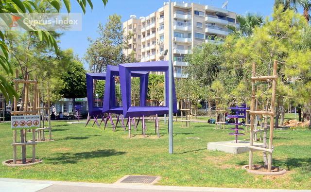 Лимассол Кипр, парк скульптур на Набережной Молос
