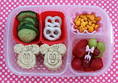 Minnie Mouse bento box school lunch