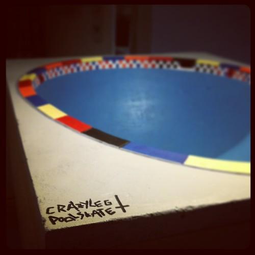 #crazyleg #crazylegpoolskate #poolskate #fingerboard #fingerboardtv #fingerboardbowl #concretepark #concretebowl #pool #peralta #superbowl #bowlcruiser #oldschool