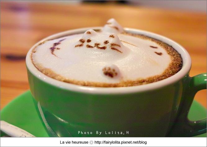 《台中食記》貓旅行咖啡輕食館。療癒系的3D立體貓拉花,可愛 ...