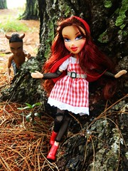 Lps592 NTM Fairy Tales Ariel Little Red Riding Hood