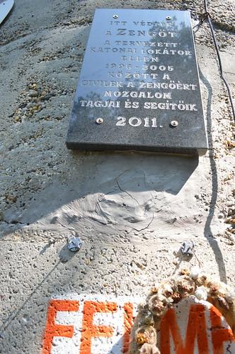 tower plaque ellen memorial hungary peak outlook torony viewing ungarn kirándulás memoriam kilátó mecsek hongrie nyár zengő tábor lászló emléktábla 2013 július hegység katonai túrázás szombat állomás hegymászás sólyom csúcs mozgalom lokátor kilátótorony mecseki egyházközösségi gyermektábor zengőért