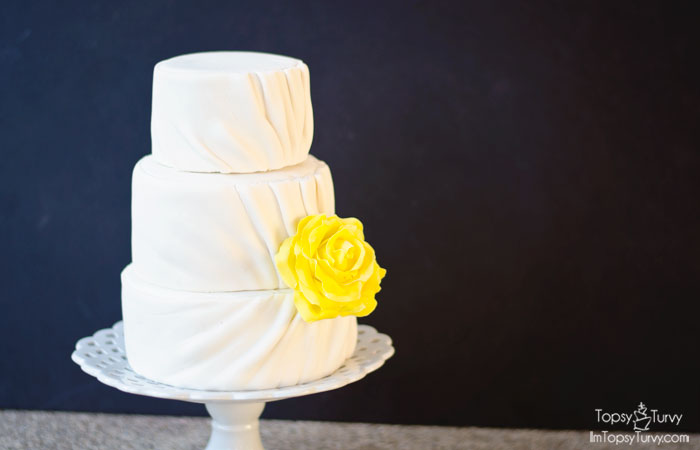 pleated-fondant-wedding-cake-tiers