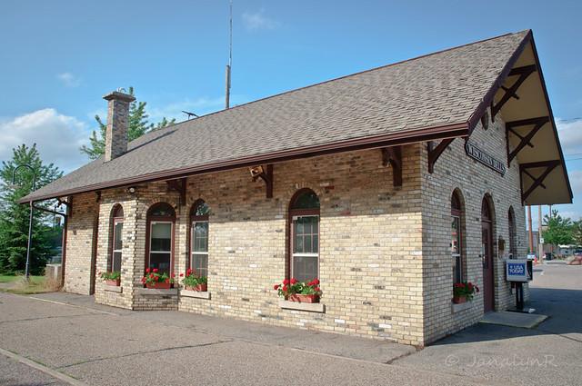 WI_Wisconsin_Dells_Station_Conductor-1837.jpg | Flickr ...