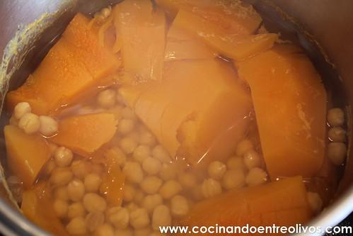 Potaje de garbanzos y calabaza www.cocinandoentreolivos (18)