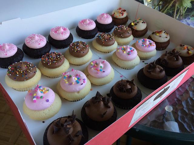 Assorted babycakes - Cupcake Royale