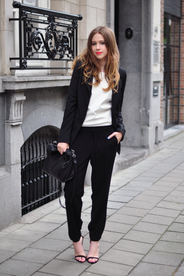 stylelab fashion blog outfit ootd monochrome sports black white