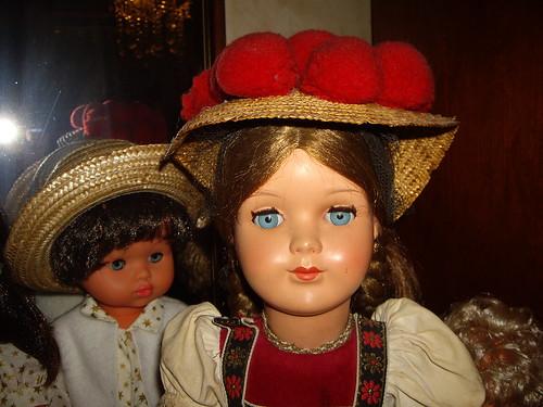 Les poupées de ma maison  11404750893_4b8cf057b0