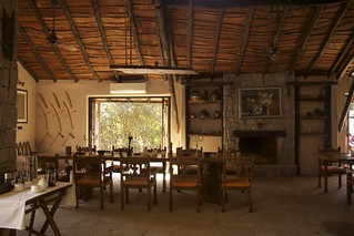 The dining area at the Kanha Earth Lodge