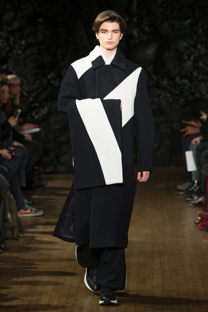 FW14 London Xander Zhou002_Alexander Ferrario(VOGUE)