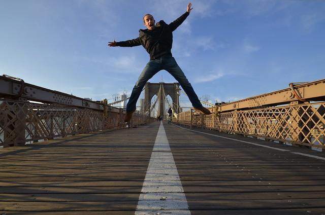 Saltando por encima del puente de Brooklyn!