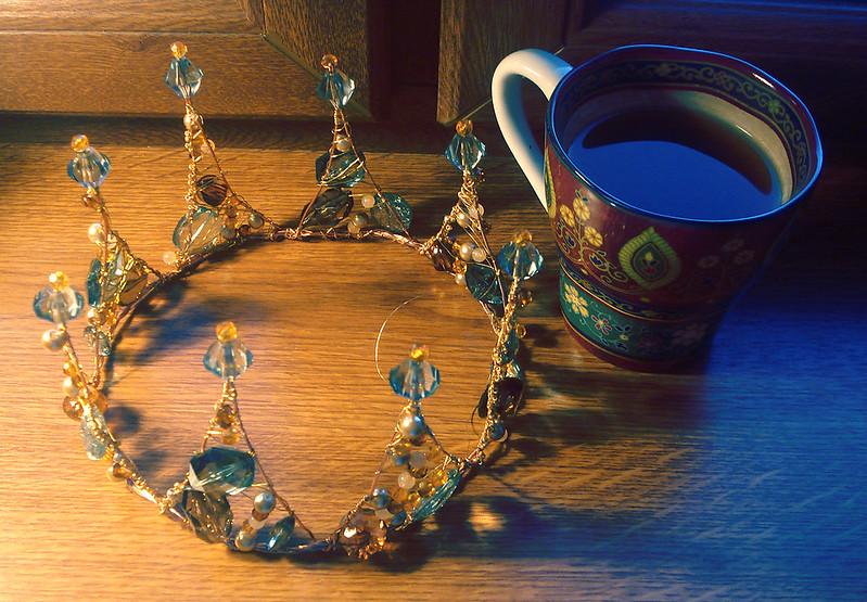 корона и кофе