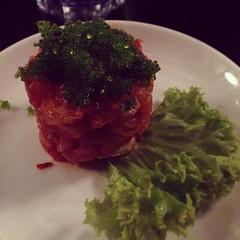 produce(0.0), vegetable(1.0), meat(1.0), steak tartare(1.0), food(1.0), dish(1.0), cuisine(1.0),