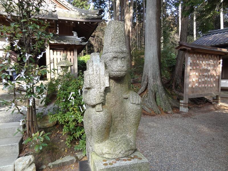 猿丸神社 猿の像(右)