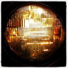 window(0.0), light fixture(0.0), automotive tail & brake light(1.0), automotive lighting(1.0), light(1.0), amber(1.0), glass(1.0), lighting(1.0),