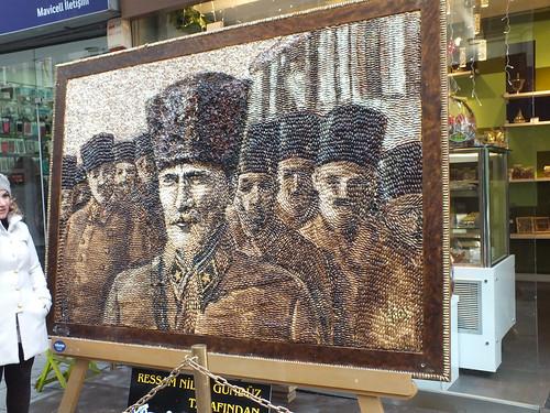 Atatürk kép pisztáciából