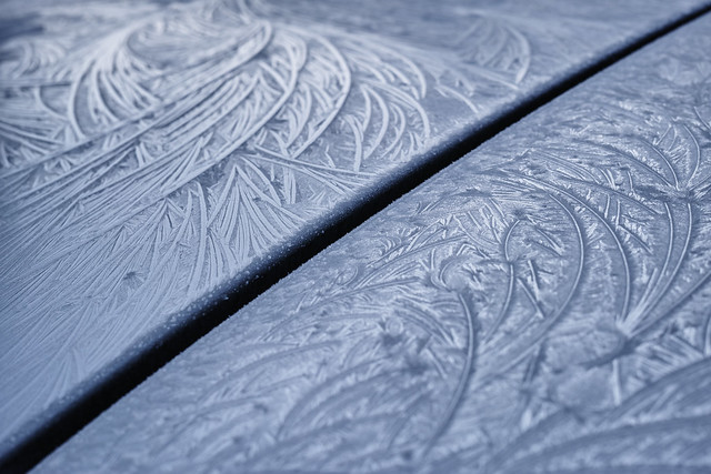 20150207_01_fully frozen car