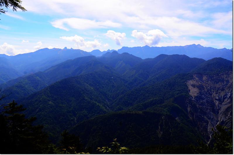 榛山北峰東南眺大霸群峰及聖稜線 2