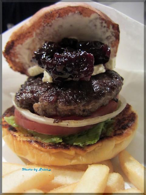 2013-05-02_ハンバーガーログブック_【広尾】BurgerManiaHiroo マンスリーと広尾の定番。マニアと言ったらコレでしょ!-03