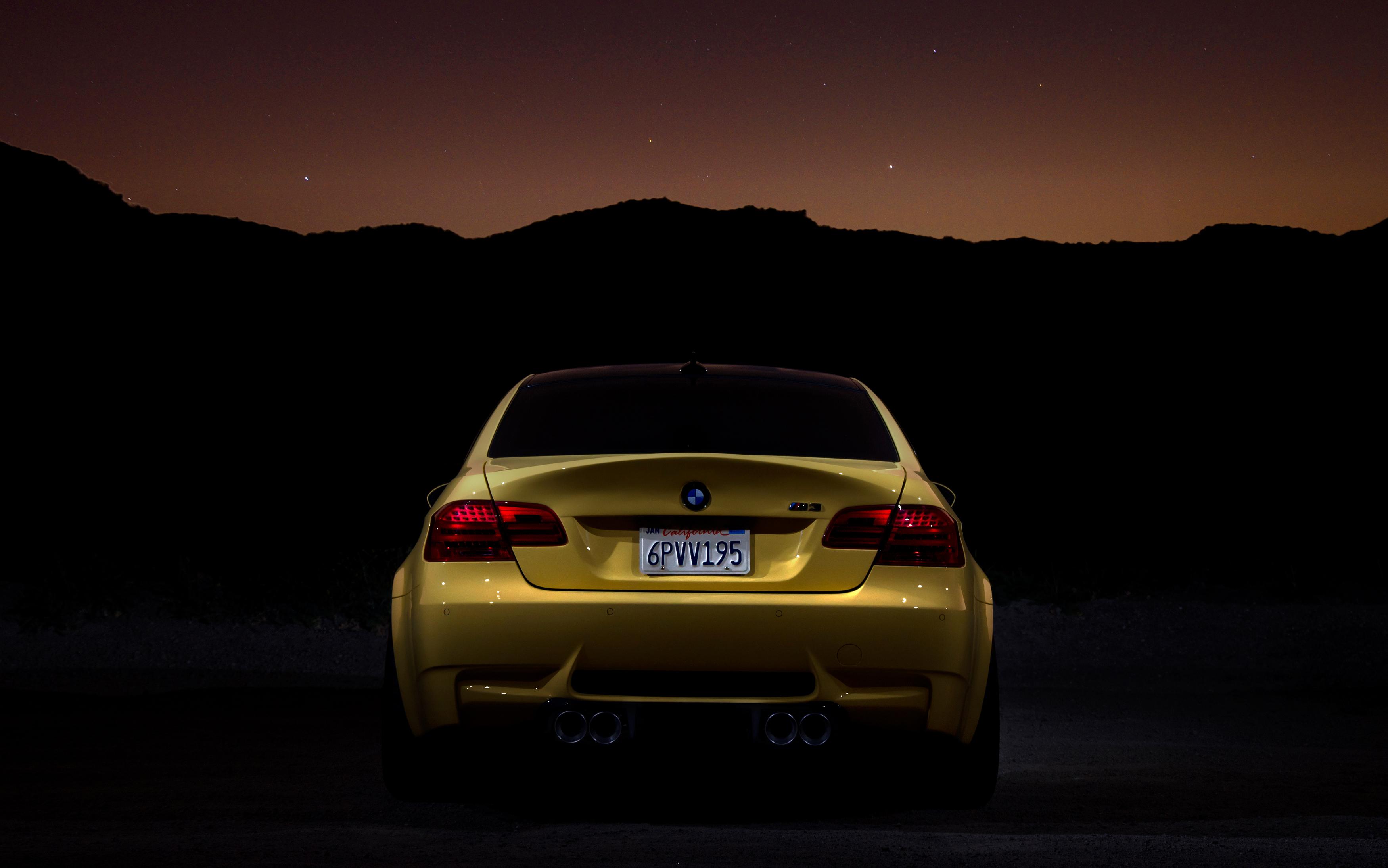 Black And Yellow A Nighttime Photo Shoot In Esquire S Dakar Yellow Bmw M3 Forum E90 E92