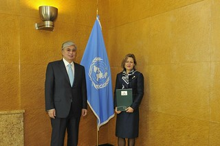 NEW PERMANENT REPRESENTATIVE OF NEW ZEALAND PRESENTS CREDENTIALS TO DIRECTOR-GENERAL OF UNITED NATIONS OFFICE AT GENEVA