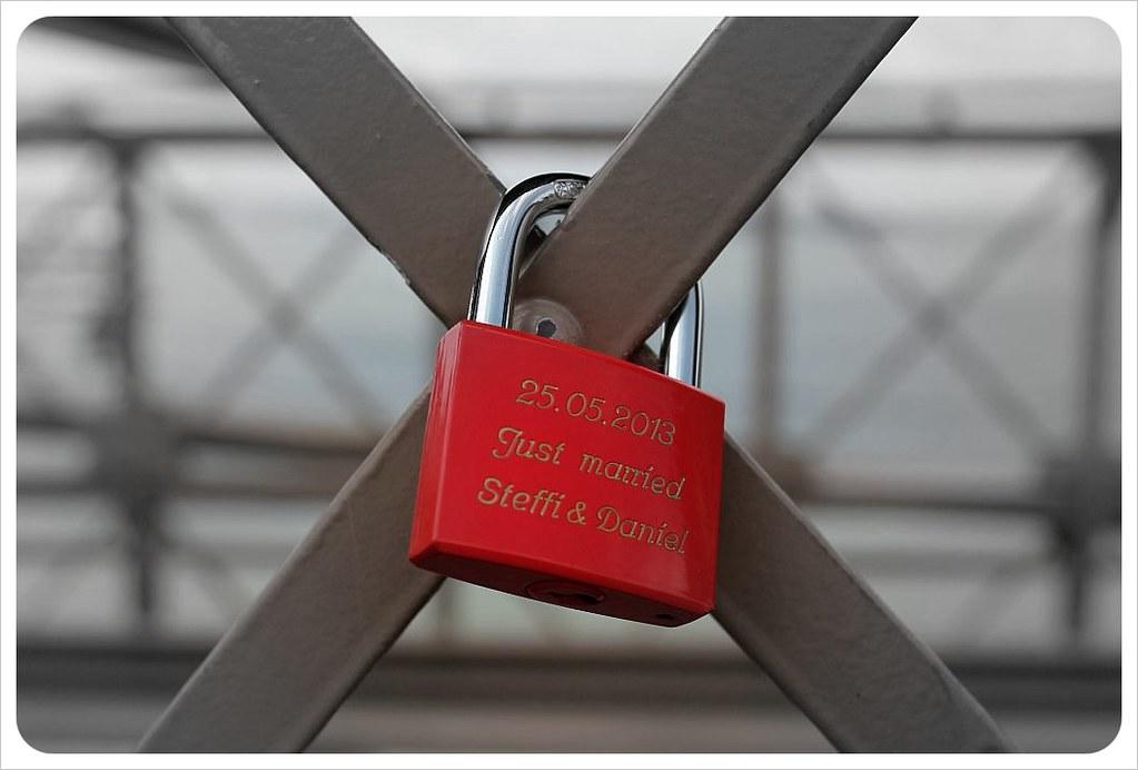 brooklyn bridge new york love lock steffi daniel
