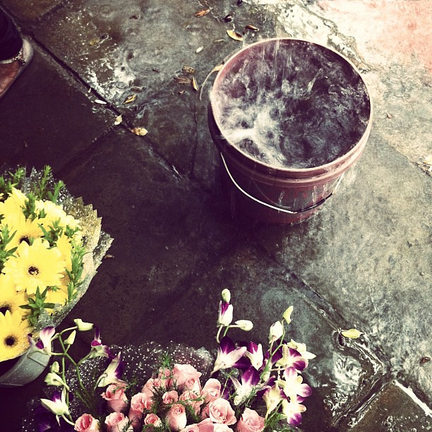 Buying flowers in the monsoon #delhi #monsoon #india