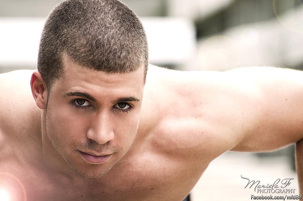 ebony-naked-green-eyed-men-babe-thick