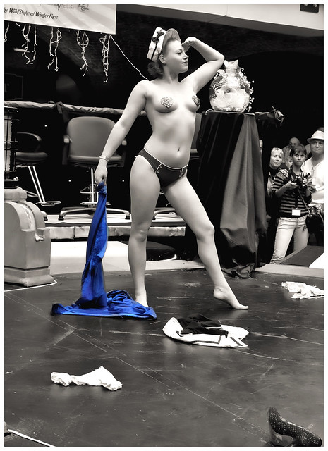 alaston suomi sini tarkkinen nude
