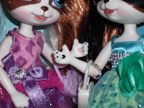 Pinkie Cooper Dolls paws