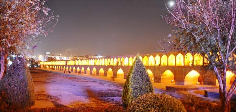 46 Puente de Sio Seh Pol o de los treinta y tres arcos en Isfahan (140)