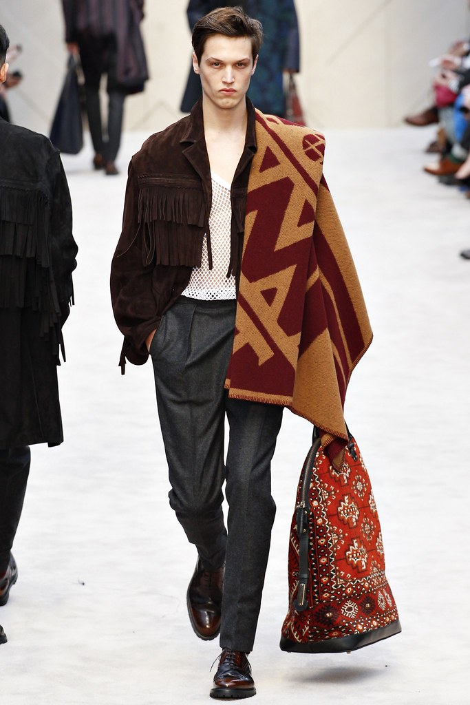 FW14 London Burberry Prorsum041_Stephen Smith(VOGUE)