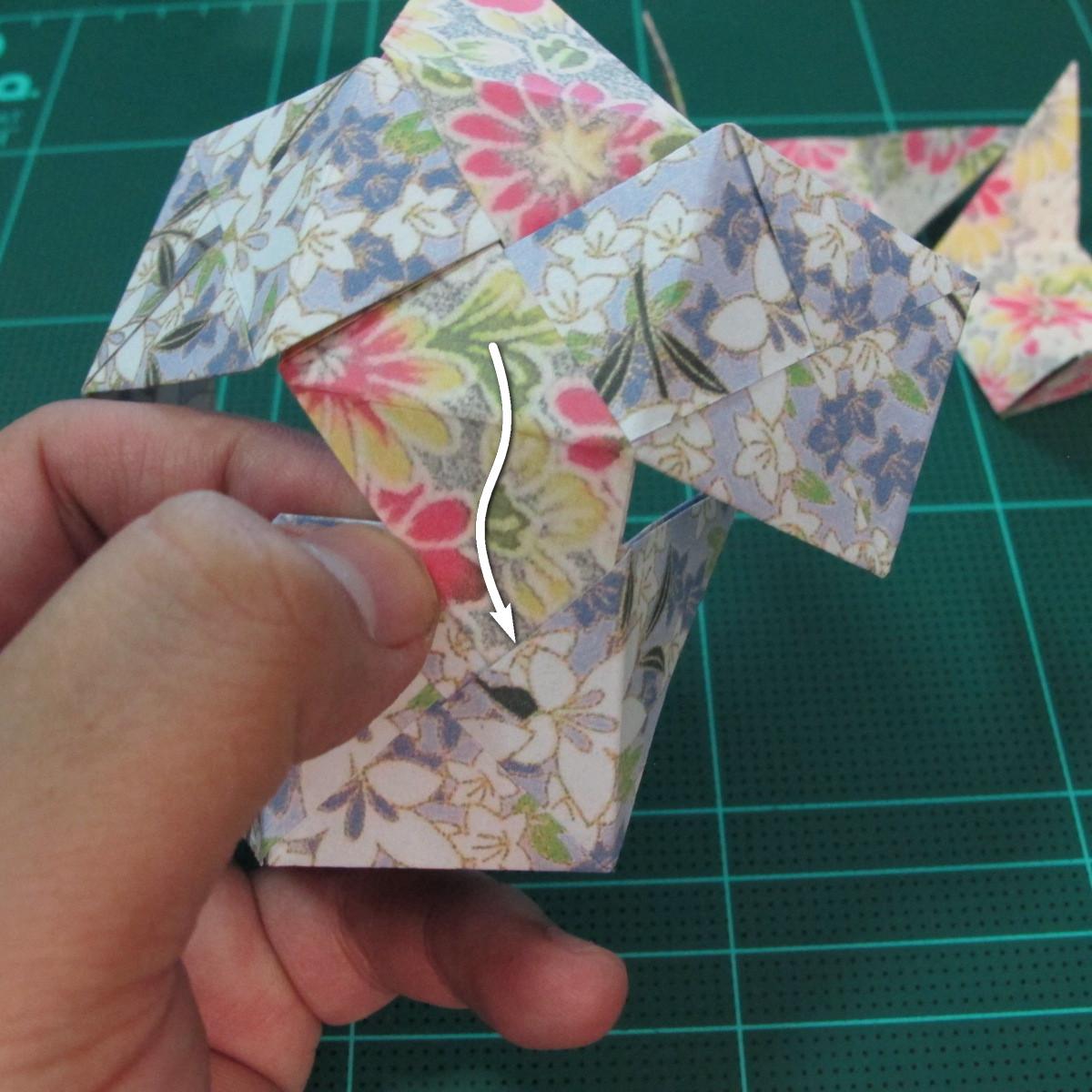 การพับกระดาษเป็นรูปเรขาคณิตทรงลูกบาศก์แบบแยกชิ้นประกอบ (Modular Origami Cube) 023