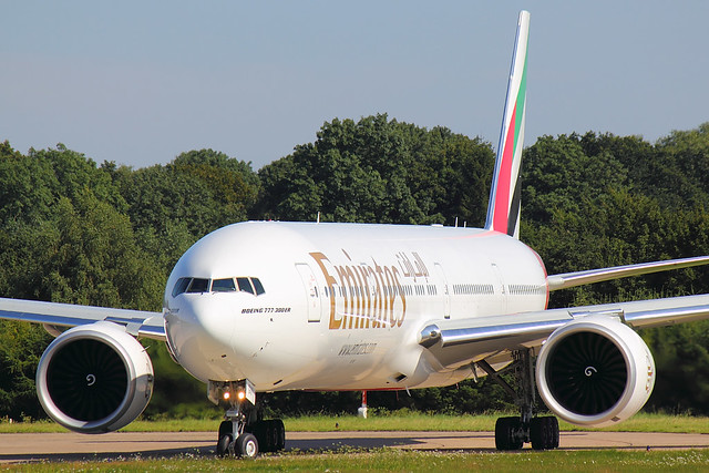 Emirates - B773 - A6-EGV (1)