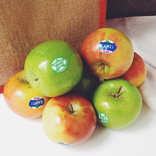 New season new breed #aussieapples! Had to miss the launch lunch so v pleased to have a bag show up today! #greenstar #kanzi #seasonal #vscocam #vsco #anappleaday