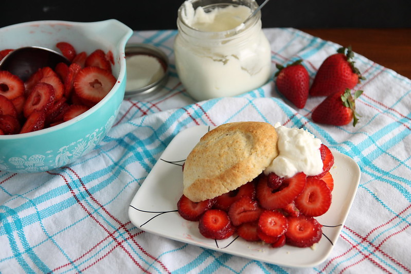 Shortcake with strawberries and whipped cream