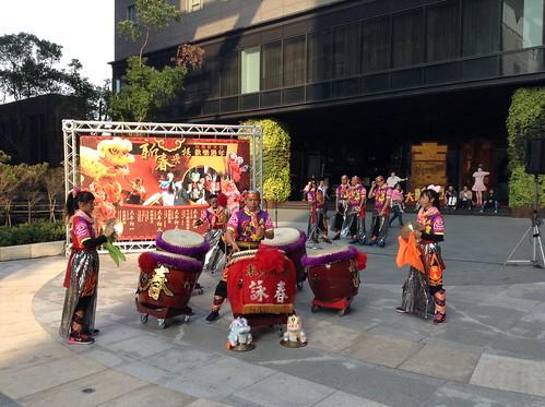 咏春两广龙狮战鼓团
