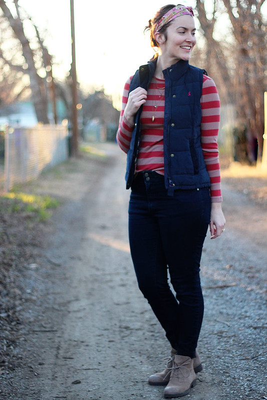 jeans-pink-stripes-navy-vest-2