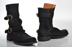 outdoor shoe(0.0), textile(0.0), limb(0.0), human body(0.0), snow boot(1.0), footwear(1.0), leather(1.0), motorcycle boot(1.0), boot(1.0),