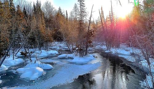 winter snow ice mi sunrise flare blizzard fernridge unfrozen rapidriver cellphoneshot february2015