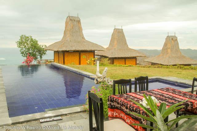 Indonesia - Sumba - Tarimbang - Peter's Magic Paradise - Dining table beside the swimming pool